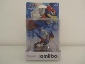 Amiibo SSB Falco Front