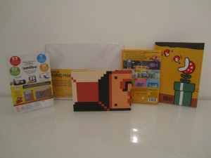 Super Mario Maker Collector Inside 2