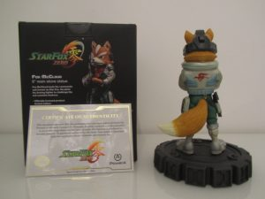 Statuette Fox McCloud Back
